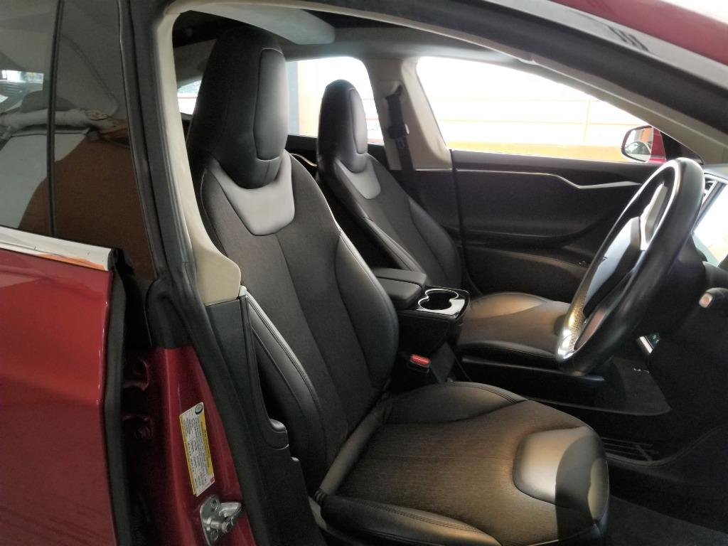 Tesla Model S 70 Auto