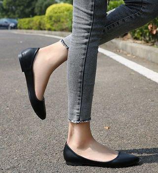 中大尺碼-淺口百搭素面PU軟底通勤平底鞋