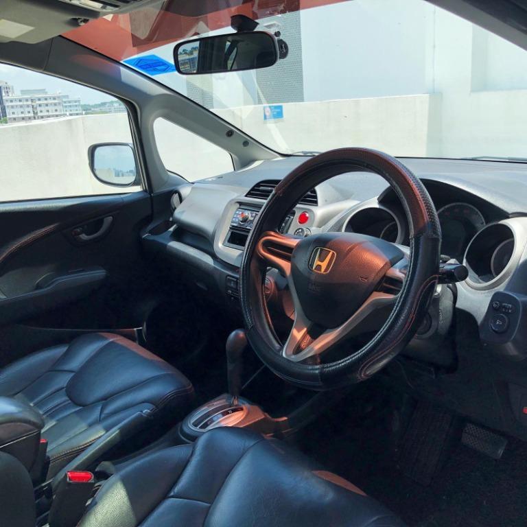 Honda fit skyroof 1.3a For Rent , GoJek Rebate. Grab/Go-Jek/Ryde/TADA. All PHV/Personal usage available! Cheap Rental, Long/Short Term Rental. Honda Jazz/Fit/Stream/Freed | Toyota Vios/Altis/Camry/Wish/Sienta/Estima | Avante | Mazda2 & 3 |