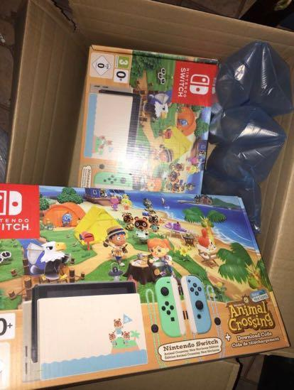 Nintendo Switch - Animal Crossing Special Edition *NEW*