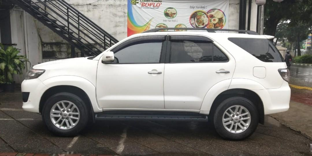 Toyota Fortuner G lux 2.7 at bensin 2012 angs 2.5 jt