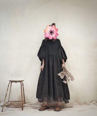 全新 正韓 胸前繡花 燈籠袖 法國麻料 口袋洋裝 長洋