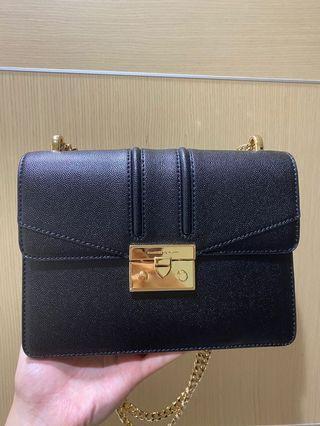 9成新!CHARLES & KEITH  bag