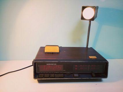 早期 • 時鐘燈光收音機