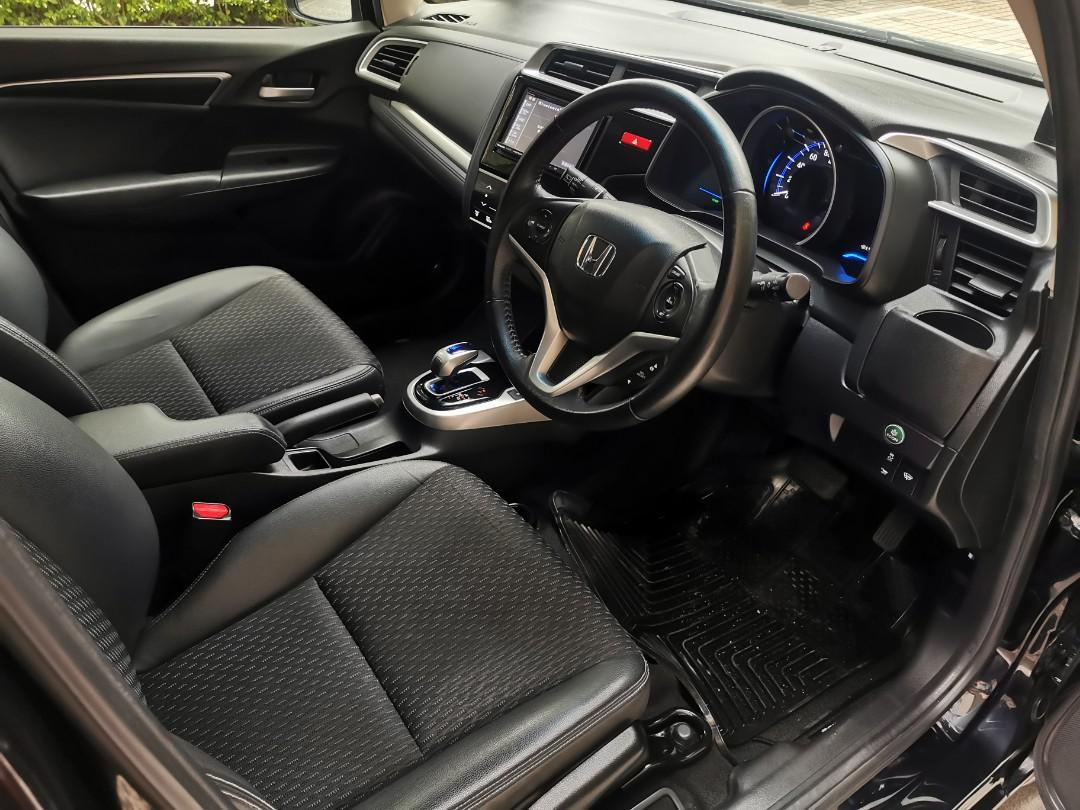Honda Fit Hybird L Auto