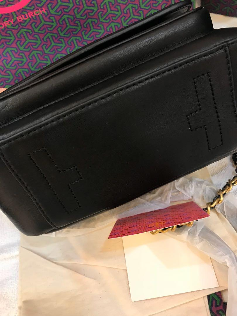 Ready Stock Tory Burch Fleming bag in black top handle Fleming quilted calf leather