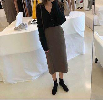 8.5成新 正韓little closet斜紋布料開衩口袋裙