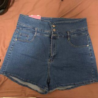 中大尺碼-超顯瘦超高腰小V+A字排釦短褲-藍色
