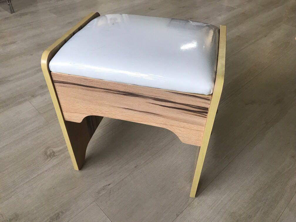 Chair 化妝椅 Home Amp Furniture Furniture On Carousell