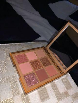 Huda Beauty Nude Obsession Eyeshadow Palette