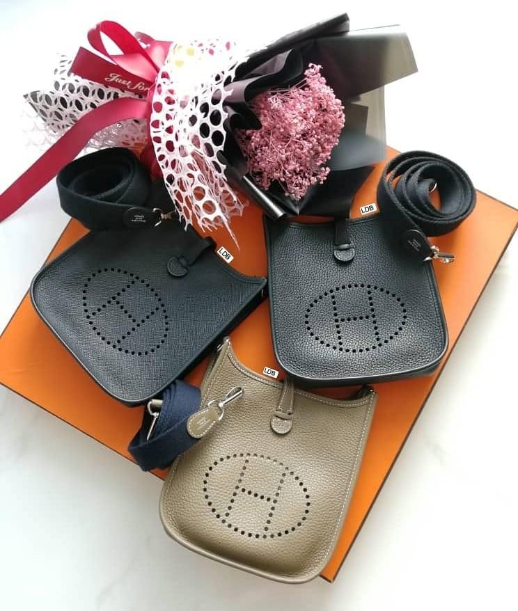 Authentic Hermès Hermès Mini Evelyne TPM Etoupe Indigo Strap Palladium Hardware