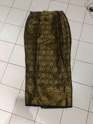Kain batik/ songket