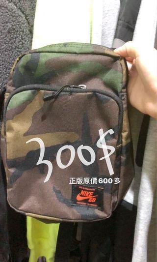 Nike正品迷彩包