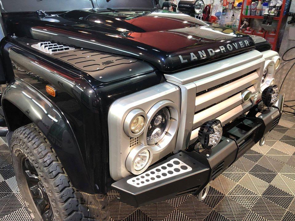 Land Rover Defender 110 Manual
