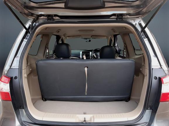 Nissan New Grand Livina 1.5 XV AT 2017 Abu Abu No Pol Ganjil