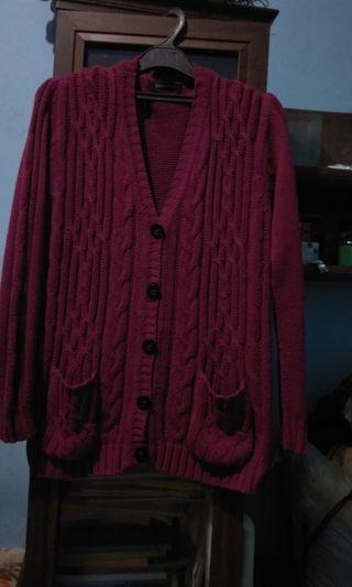 Gonegani Magenta outer Kabel knit