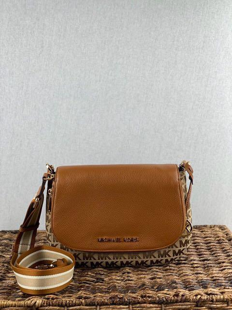 Micheal Kors Bedford Medium Conv Flap in Signature Beige/Luggage (Leather Strap)