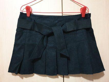 BNWT M)phosis Black Pleated Skirt