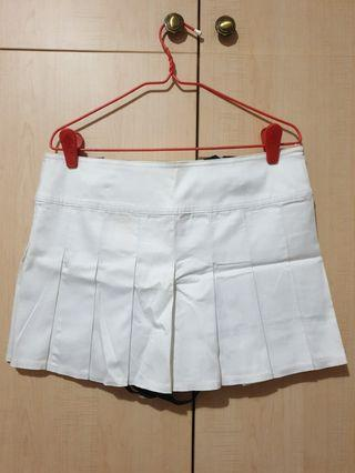 BNWT M)phosis White Pleated Skirt