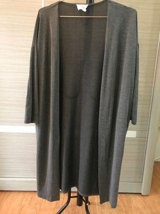 深灰長版罩衫