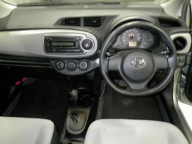 Toyota Vitz 1.0 (A)