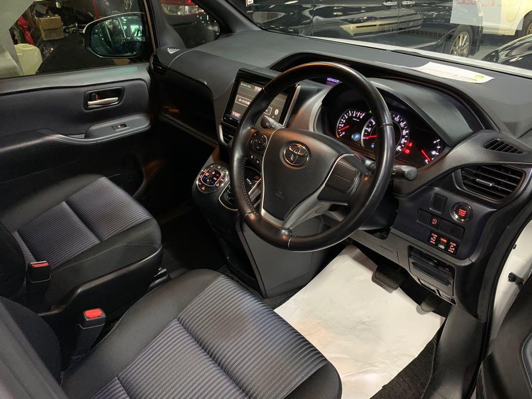 Toyota Noah 2.0 Si (A)