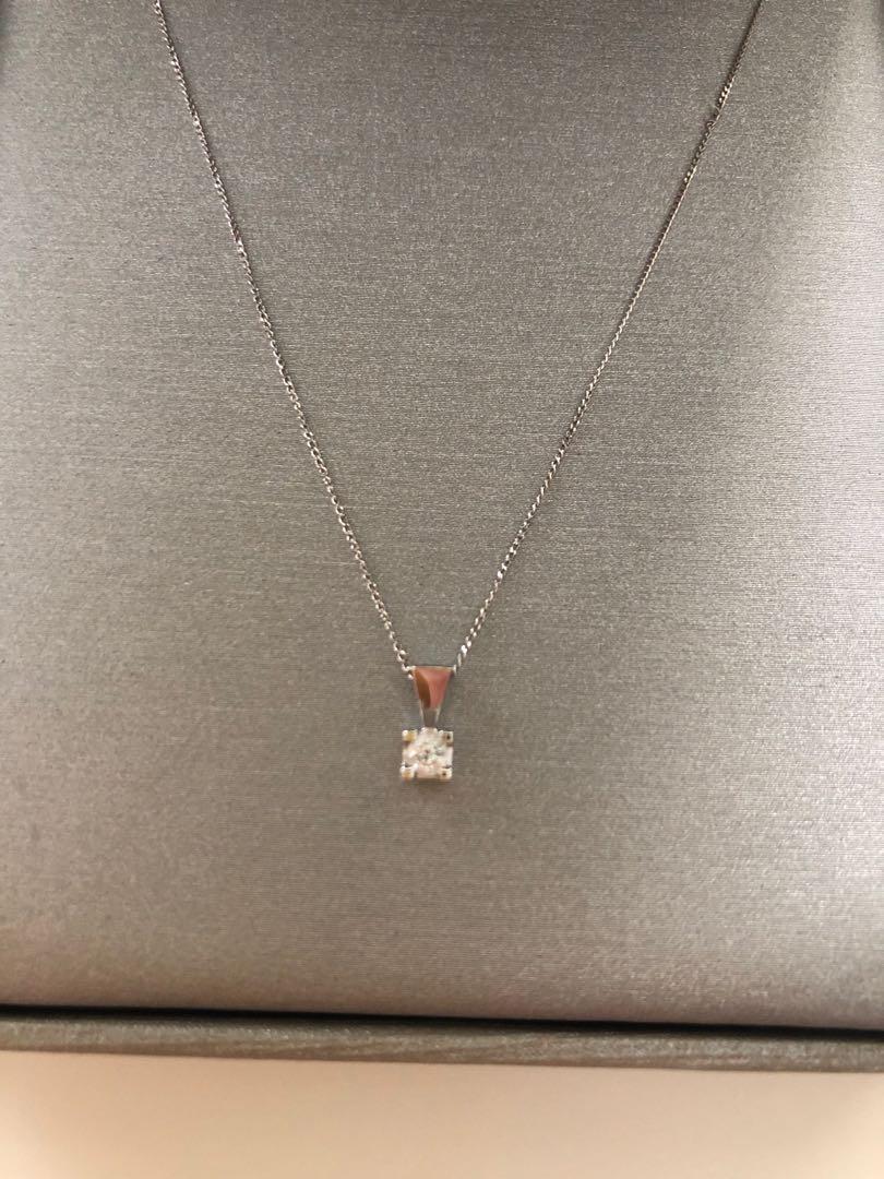 0.11 carat round brilliant cut necklace