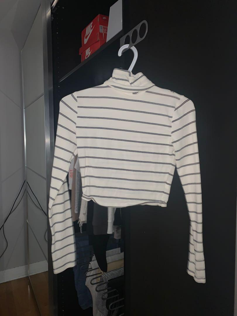 cropped stripped turtle neck