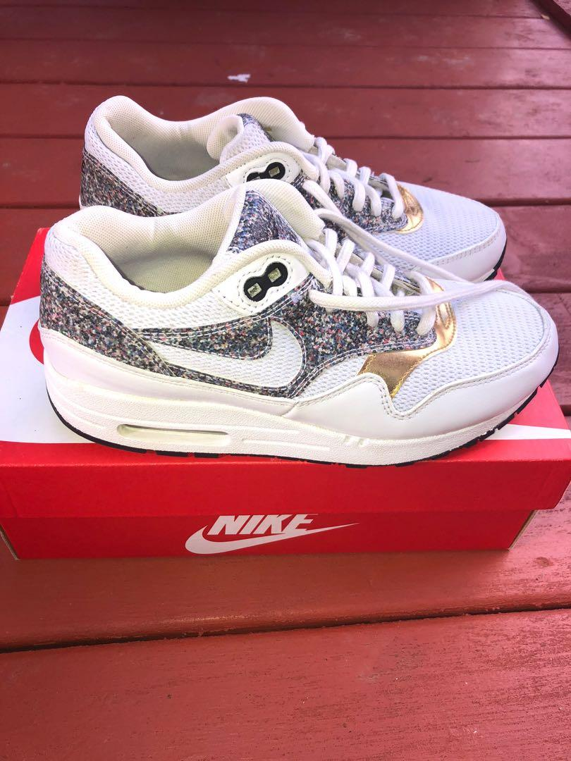 Gently used Woman's Air Max 1 SE