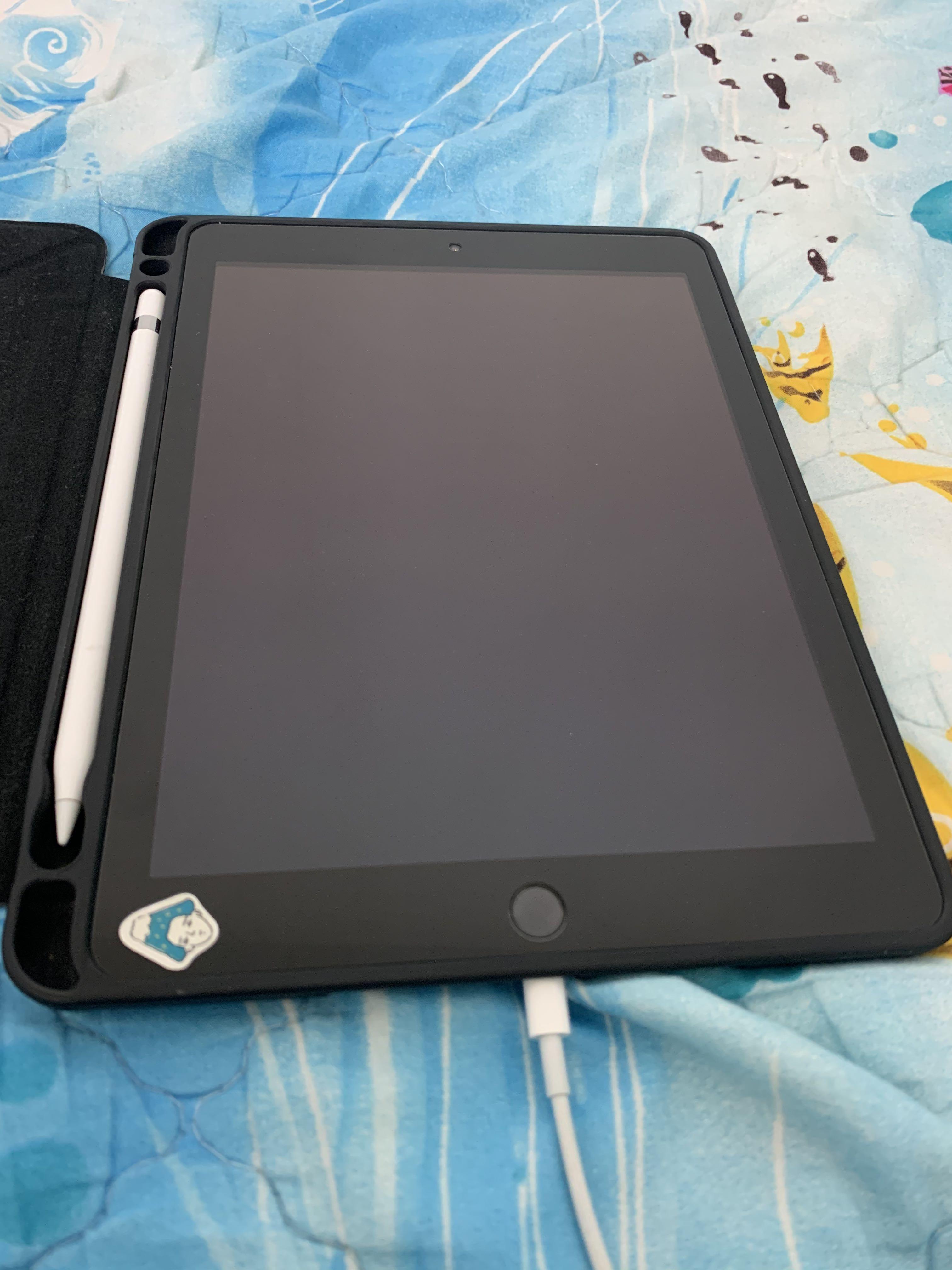 iPad6 2018+apple pencil一代+包護套+鍵盤