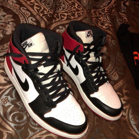 Jordan 1 retro high OG- black toe