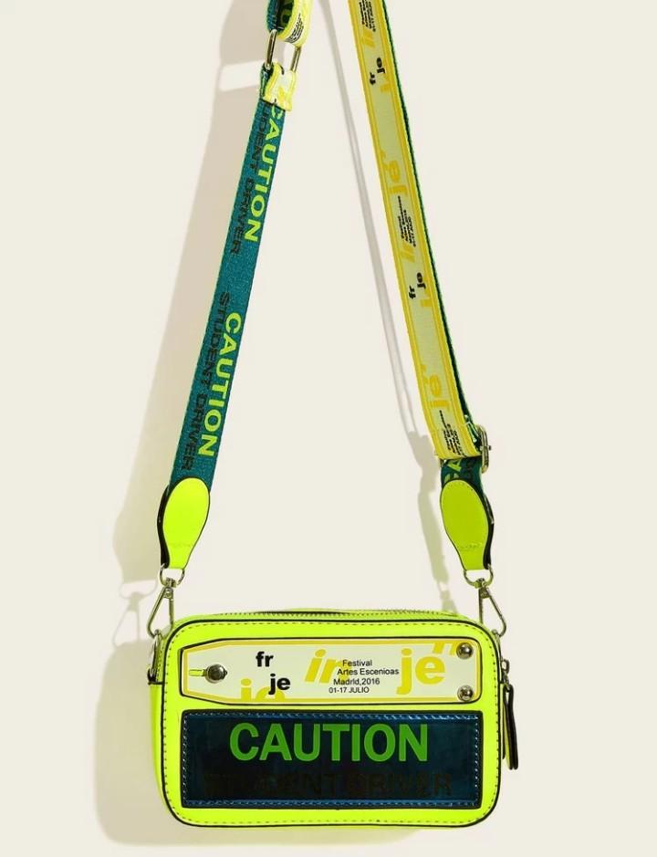 Letter print caution bag!