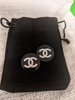 100% Authentic  Chanel vintage Buttons.