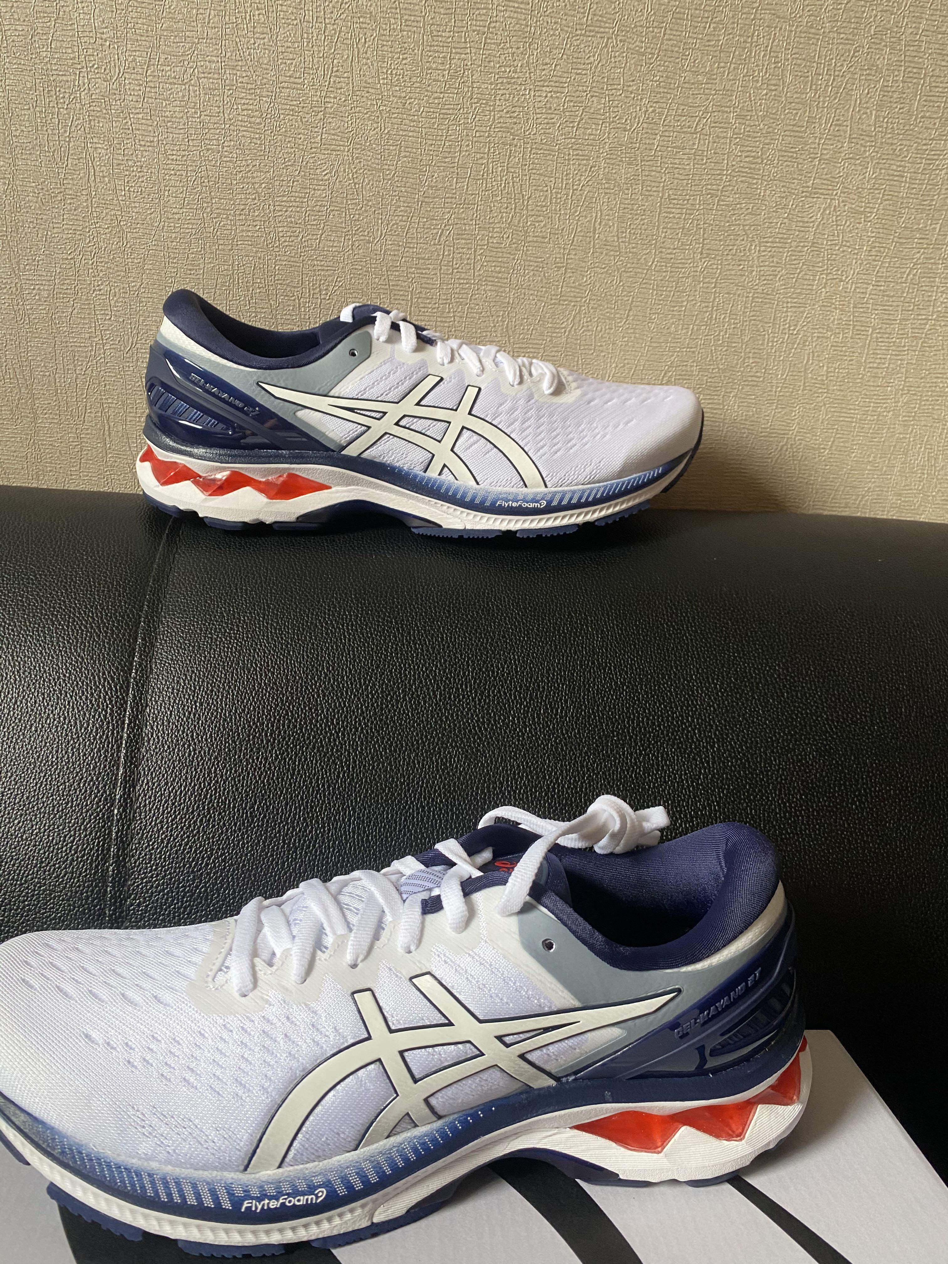 Asics慢跑鞋