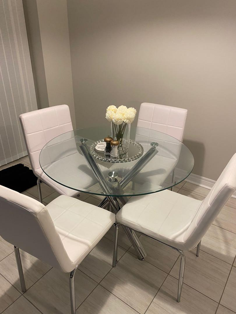 Dining Table / Breakfast Table