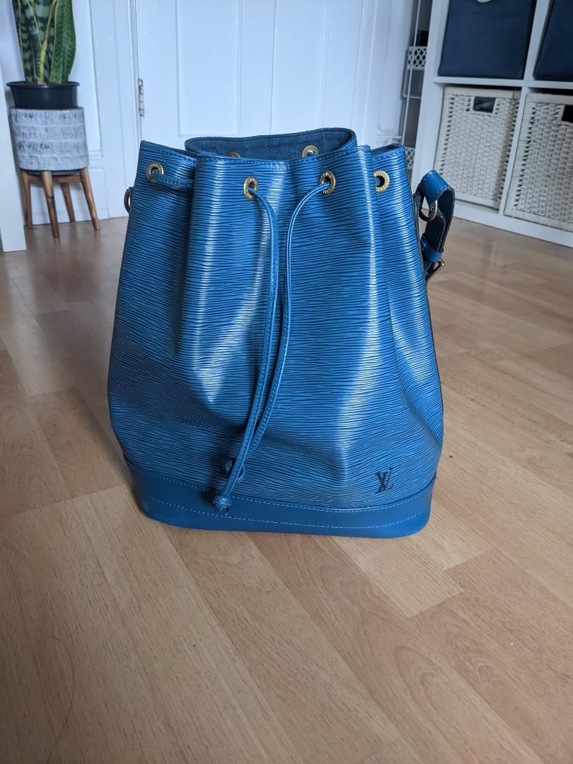 Authentic Louis Vuitton Noe Large Bucket Bag in Epi Blue