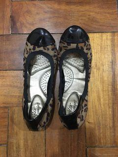 leopard flats payless