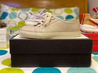 AUTHENTIC Gucci Beige Leather low top sneakers