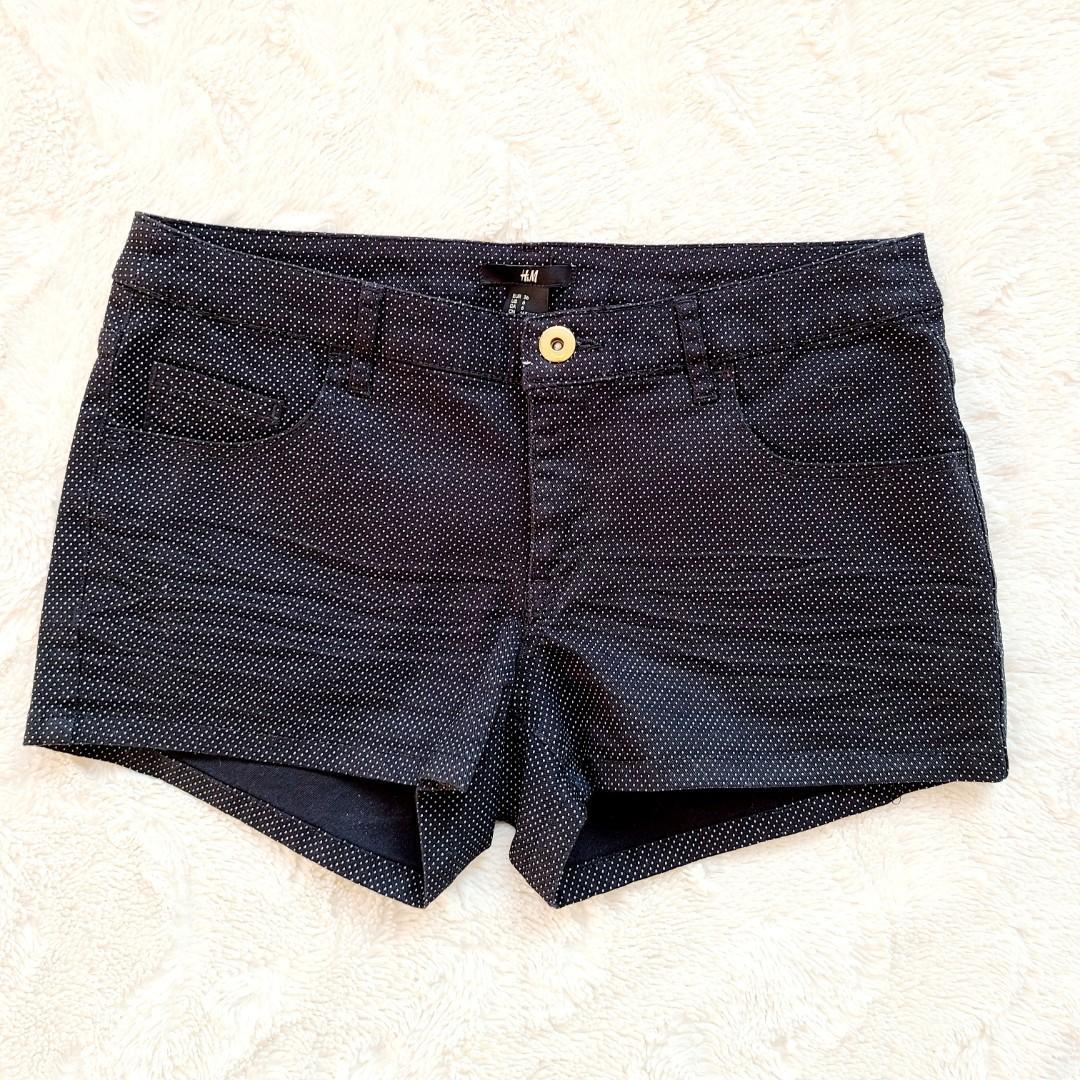 BNWT H&M Black and white polka dot shorts - size 6