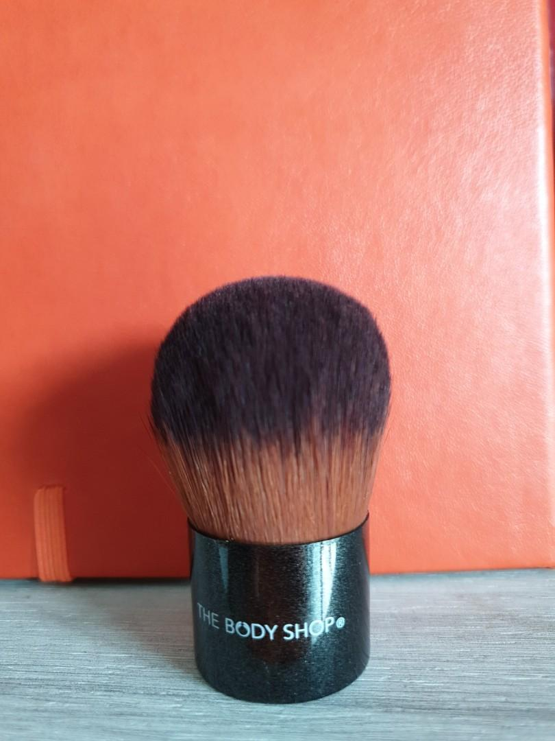 Body Shop Foundation Brush Health Beauty Makeup On Carousell