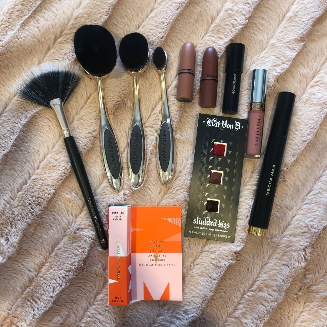 Branded makeup bundle
