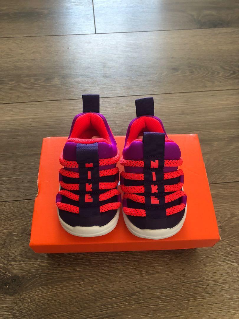 全新Nike毛毛蟲童鞋(12cm)