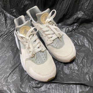 Nike Huarache 武士鞋 黑白灰