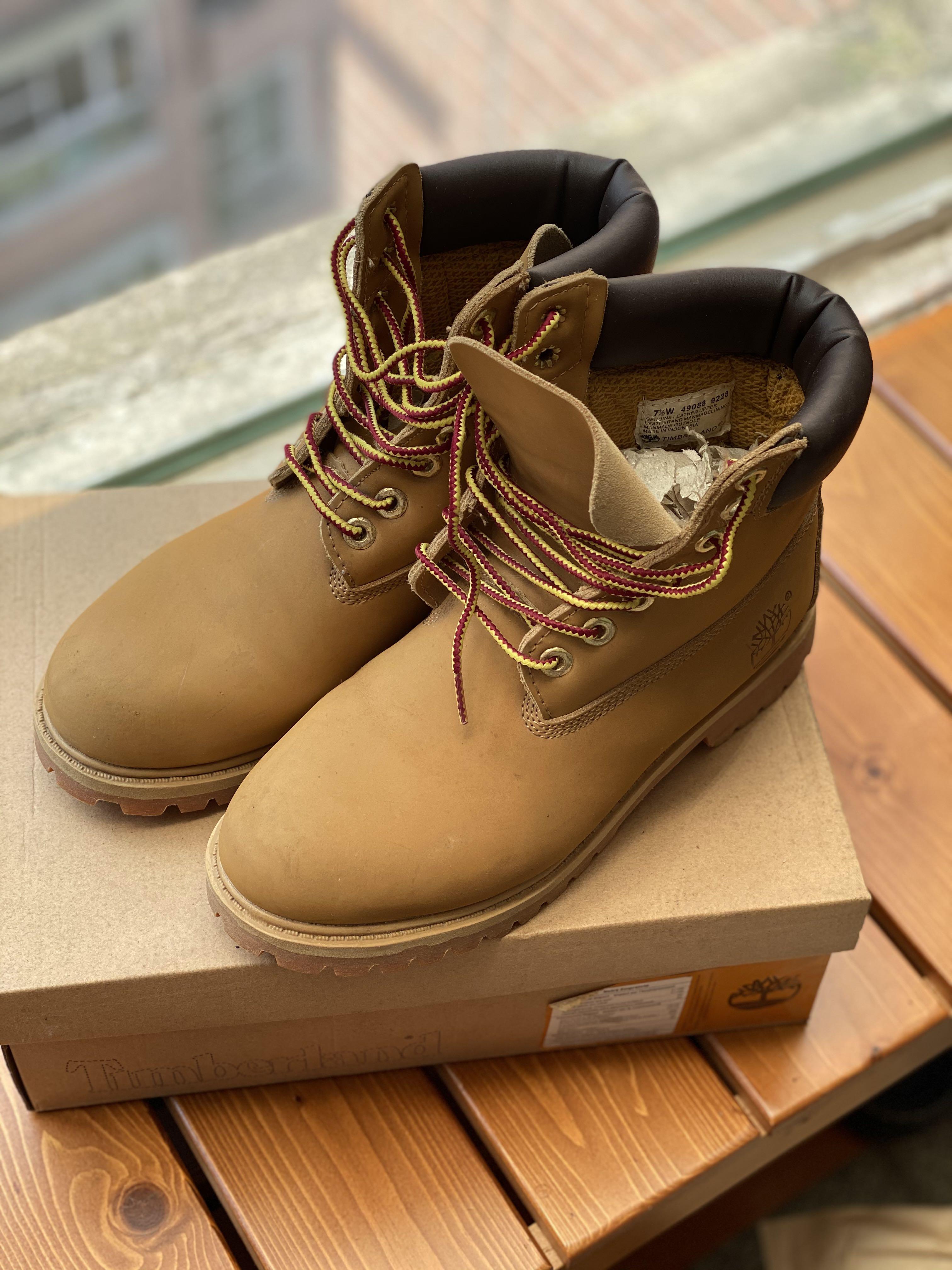 Timberland 經典款黃靴-38