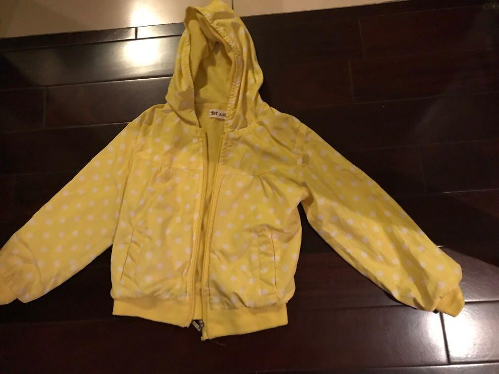 五歲以下防風外套,只要20元!