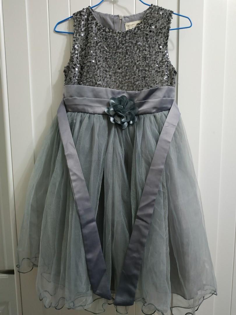 灰色亮片小禮服