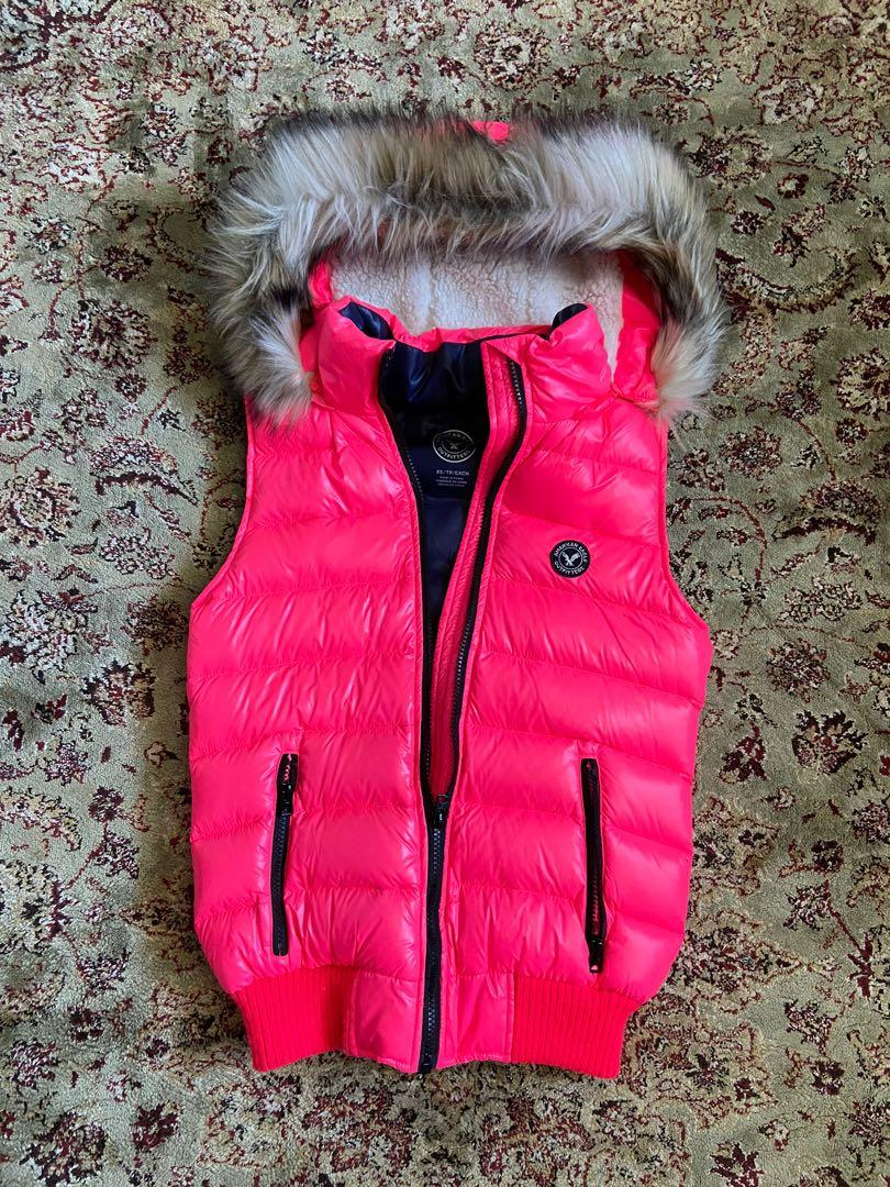 American Eagle Outfitters Winter Puffer Vest