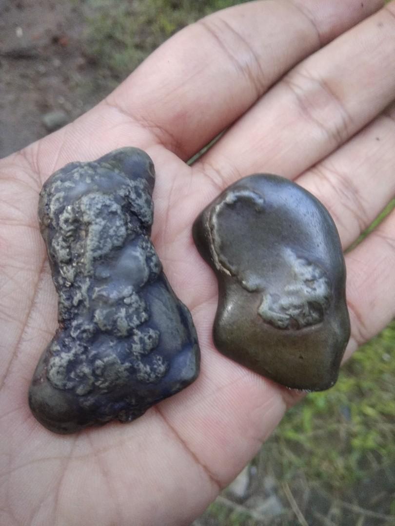 Batu antik alami