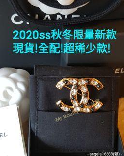 【My Boutique-珍品屋】現貨全新~Chanel 2020ss 秋冬限量新款~橢圓晶鑽&黑色琉璃vintange風濃金華麗胸針 別針~極稀少美品