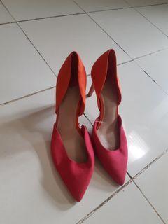 Sepatu elegant stradivarius